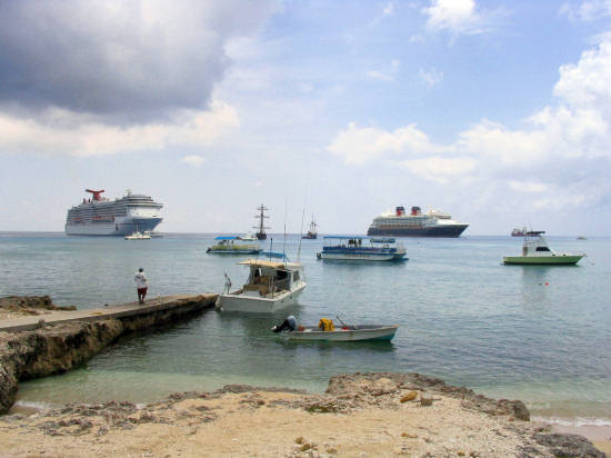 A picture of the cruise ships at George Town.