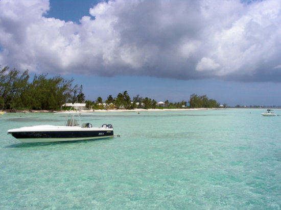 Picture of speedboat at Rum Point, Grand Cayman.