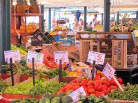 Ponte di Rialto Fruit Market, Venice