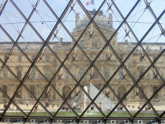 A picture of Glass pyramid at Musee du Louvre