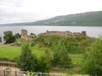 urquhart castle scotland picture